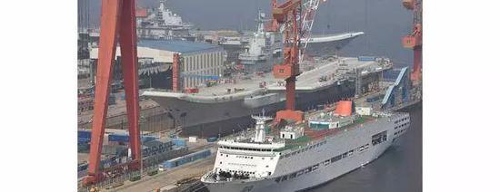 中国双航母首同框 厉害了我的国