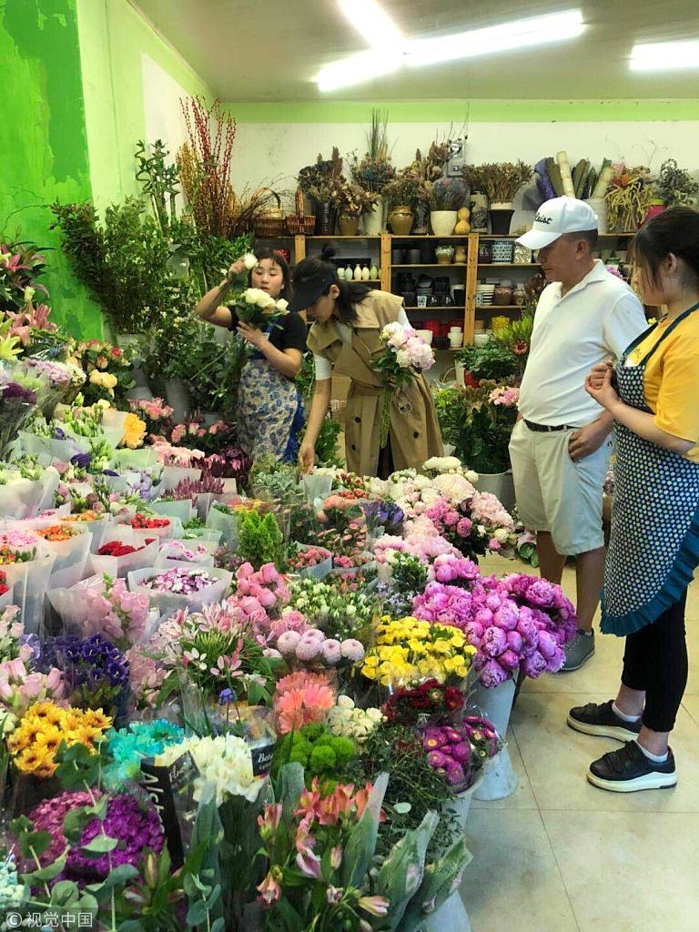 超市偶遇刘涛王珂 这才是爱情该有的样子
