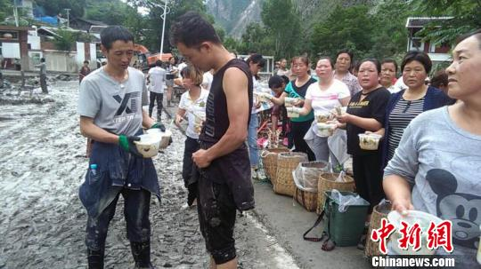 甘肃文县遇泥石流 历史罕见