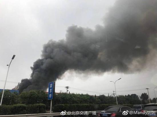 北京北四环着火 现场浓烟滚滚 详情介绍