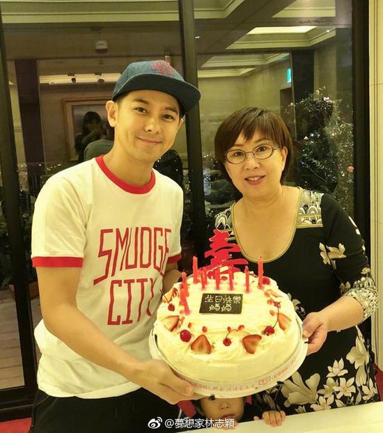 林志颖68岁妈咪 真是太年轻了