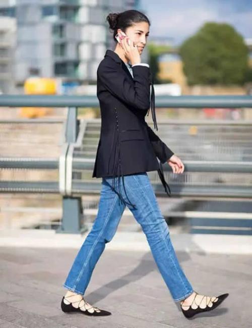 小黑鞋怎么搭配 小黑鞋什么款式好看 为什么这么流行