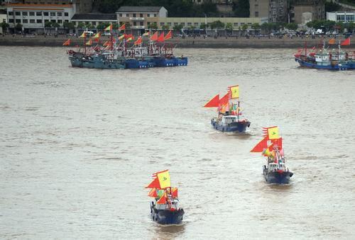 渔船沉没8人失联 他们究竟去了哪里