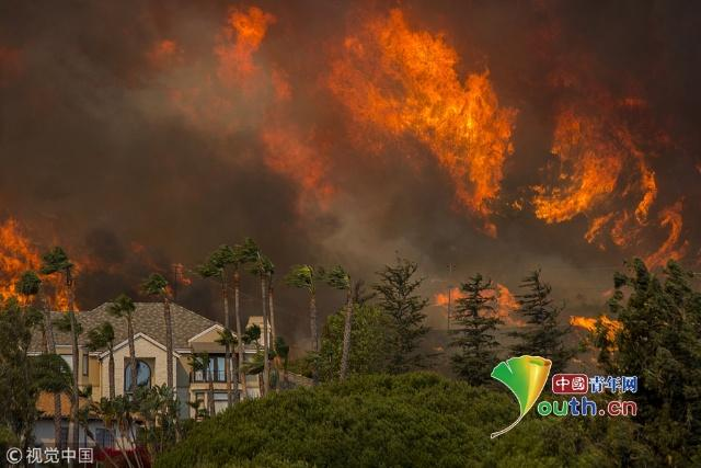 加州山火民众逃离 目前人员伤亡情况如何 真是太可怕了