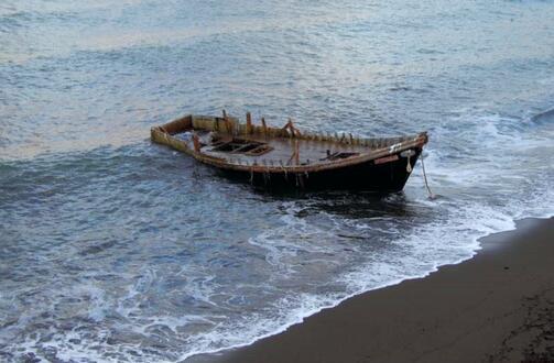 日本大量幽灵船 怎么回事 这些幽灵船都是从何而来 详情介绍