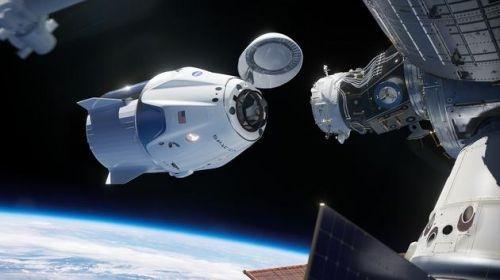 受天气影响 SpaceX首次载人火箭发射延期