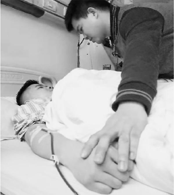 双胞胎献血79次 近两万毫升 这是怎么回事