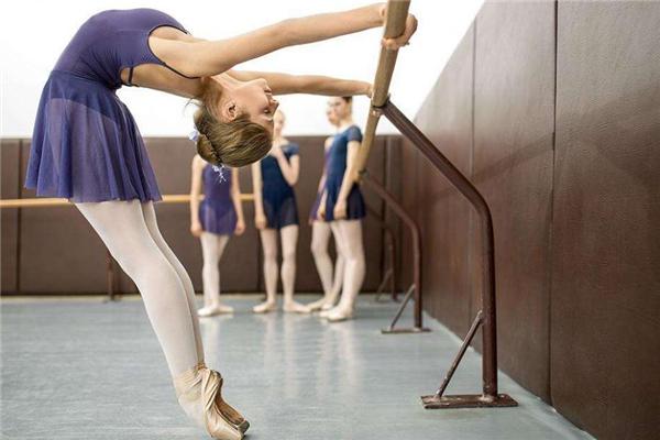 跳舞可以减肥吗 跳什么舞减肥效果好 效果非常好