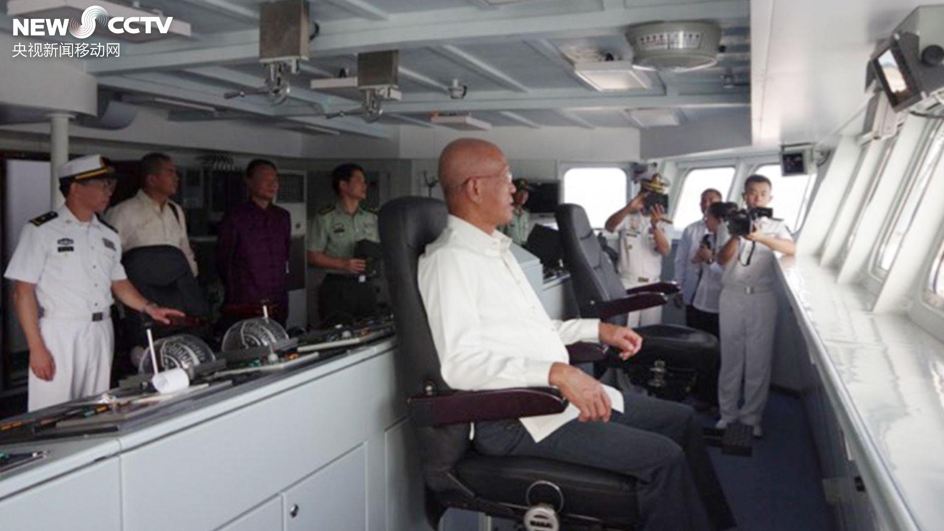 中国舰队访马尼拉 菲律宾国防部长登舰参观 详情介绍