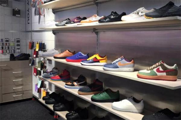 上海耐克001地址在哪 定制专属球鞋