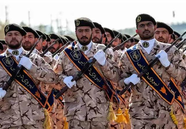 美国拉黑伊朗卫队 这是怎么回事 后果可能很严重
