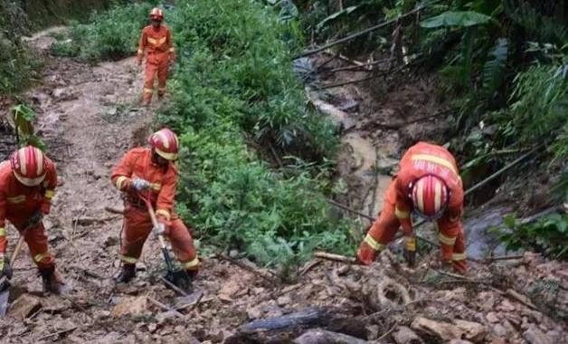 廣東韶關突發山洪 公路被淹交通中斷 致4死2傷2失聯
