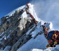 珠峰拥堵多人丧生 这是什么情况 仅1天就有3人丧命